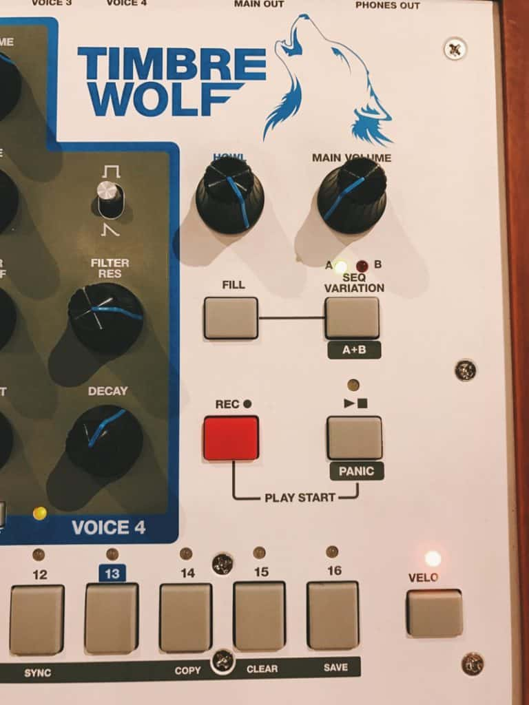 Akai Timbre Wolf