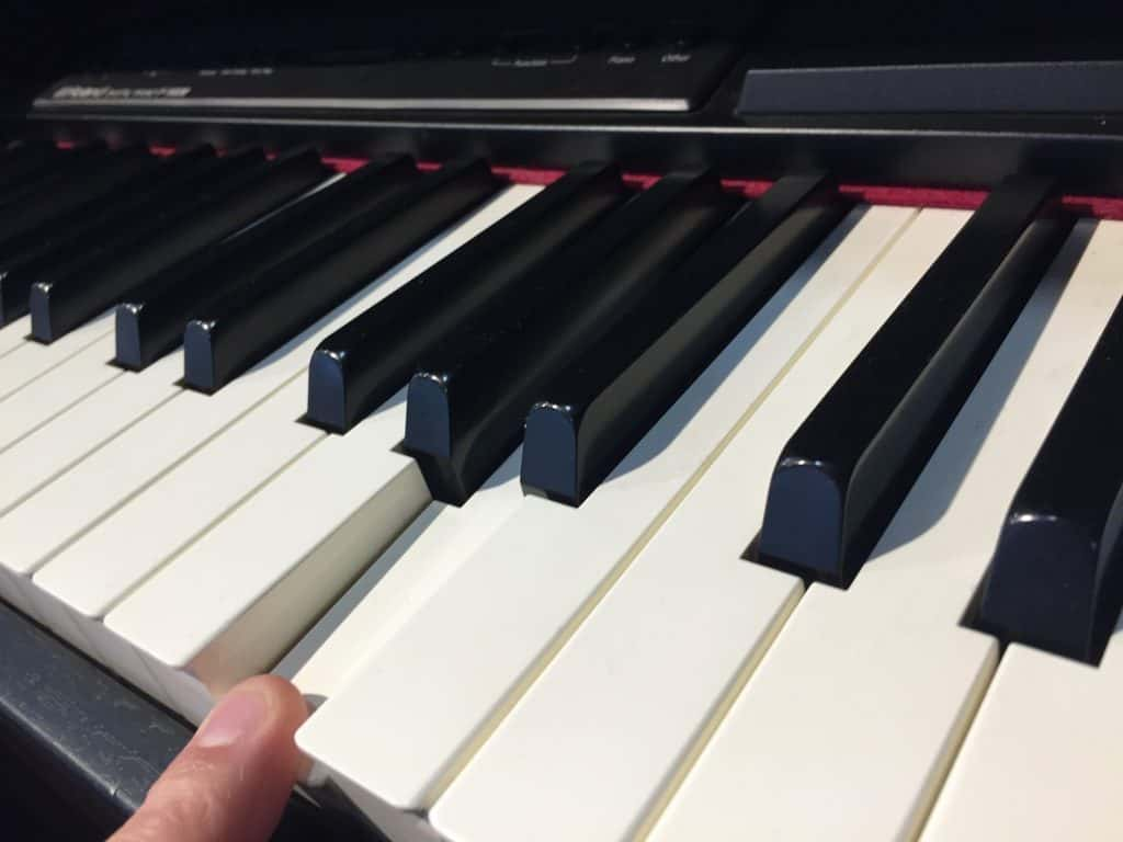 Should you buy a Keyboard or Piano for Beginners in 2019