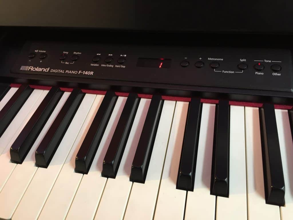 roland f 140r review digital piano review guide. Black Bedroom Furniture Sets. Home Design Ideas