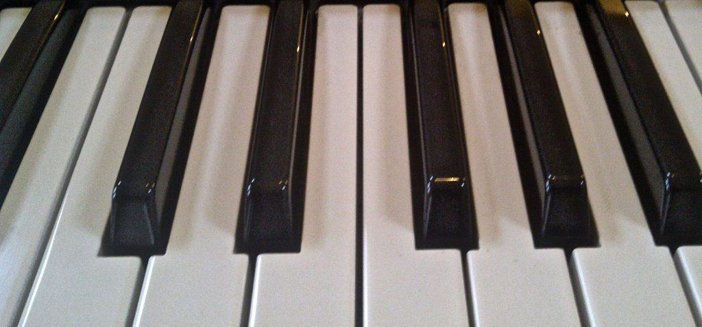 yamaha mx49 review digital piano review guide. Black Bedroom Furniture Sets. Home Design Ideas